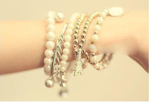 Multilayered Eiffel Tower charm bracelet